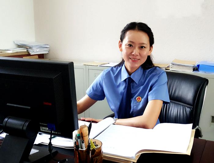 她于2010年7月通过山西省公务员考试,正式进入该单位工作.